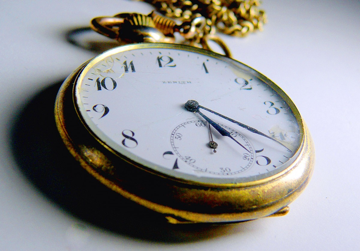 clock_pocket_watch_digits_time_old_nostalgia_pointer_clock_face-1190416.jpg