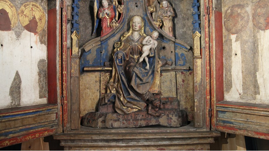 Late Gothic altarpiece from Eksingedalen church, around 1500, now in the University Museum of Bergen. It survived the Reformation but lost large part of its images. Foto: Justin Kroesen