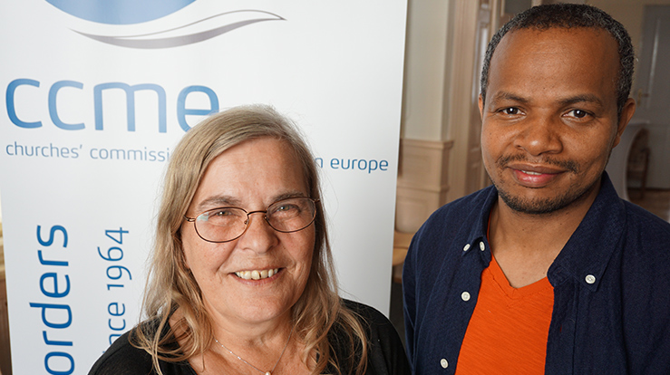 Nyvalgt leder for Churches' Commission for Migrants in Europe, Lemma Desta sammen med organisasjonens generalsekretær, Doris Peschke.