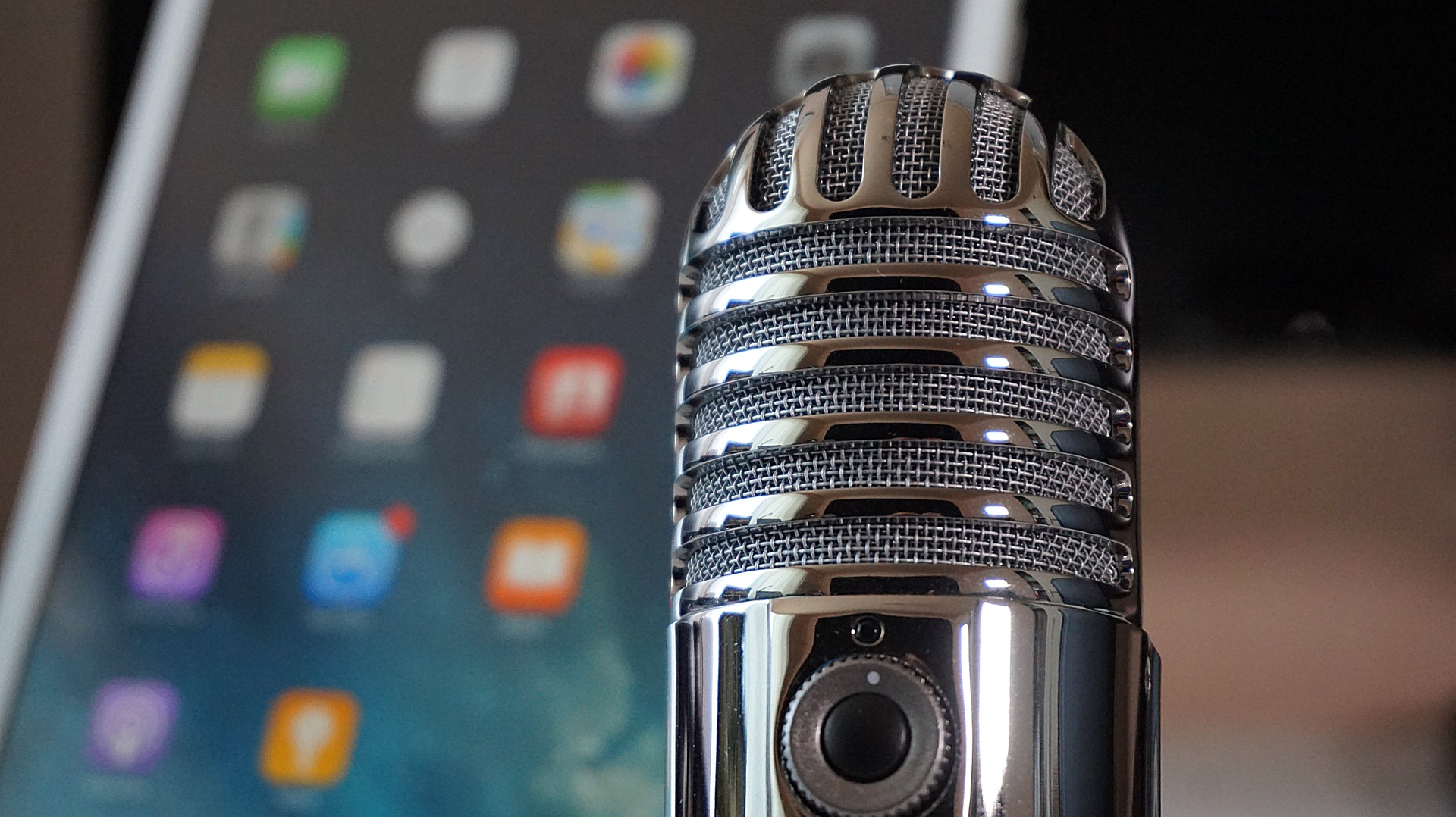 Podcast_pixabay_microphone-2469295_1920.jpg
